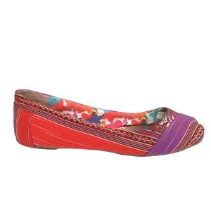 Toms Red / Purple Pattern Linen Ballet Flats Sz 8